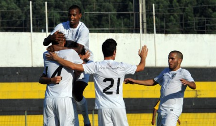 9e66a272c2 Equipa B do Vitória inicia domingo o campeonato diante do Tirsense ...