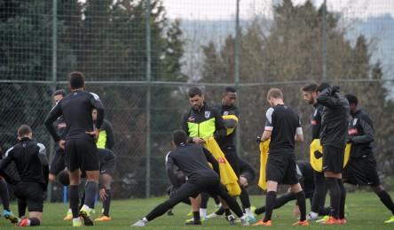 O plantel do Vitória regressou aos trabalhos esta manhã para iniciar a  preparação ao derbi. Sérgio Conceição orientou o apronto matinal fece083fc42be