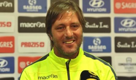"""O Vitória vai precisar de """"muita paciência"""" para vencer o Estoril-Praia. A  convicção é de Pedro Martins 27f6cccdd2cf8"""