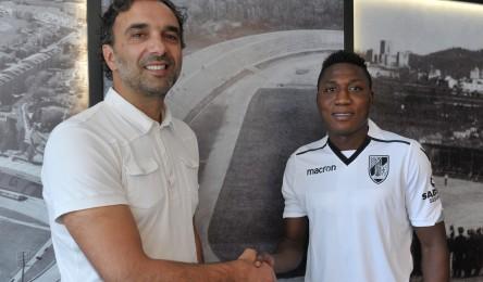 Henry Medarious assinou contrato com o Vitória - Noticias 7165f8df992f7