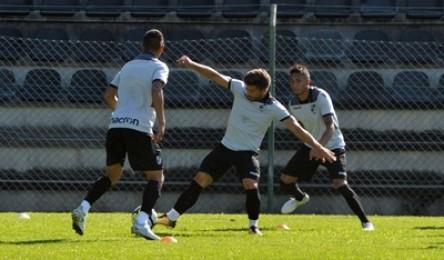 O Vitória já deu início aos trabalhos de preparação ao encontro com o  Sporting. Esta terça-feira d8392e7c6578d