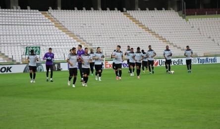 Vitória joga hoje com Konyasport para a Liga Europa - Noticias f55580a42dad0